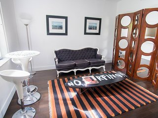 SoBe 1611 Roomy Apartment-Prime South Beach Locale
