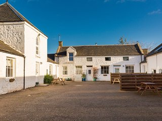 Overhailes Holiday Cottages - The Courtyard