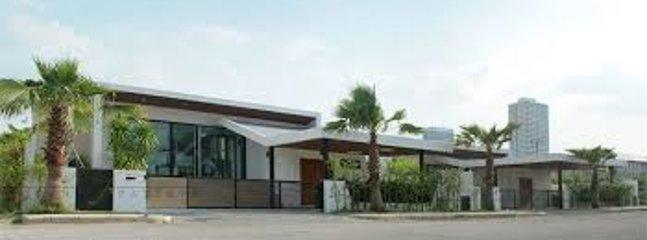 Uw eigen zwembad Villa entrance