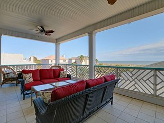STYLE FOR DAYS!! Classy and Modern Home with Oceanview and Pool!!, Isla de Tybee