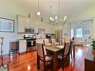 Savannah City-Living Near Forsyth Park | Perfect for a Small Family