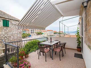 Apartment Roko- Two Bedroom Apartment with Terrace and Balcony