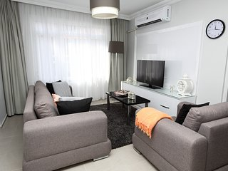 Patika Suites - Orange Citrine Central Modern 2 BR, Istanbul