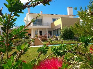 Beautiful Villa with Private Pool in the traditional village of Cela Nova, Barrio