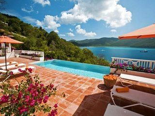 4 Bedroom Villa overlooking the Bay on St. Thomas