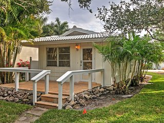 NEW! 1BR Sarasota Cottage on Siesta Key Beach!