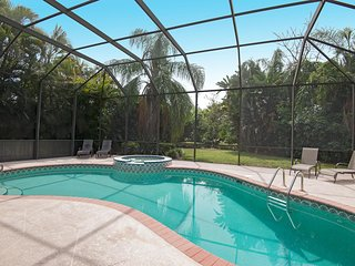 Private 3 Bed 2 Bath Home With Huge Screened Lanai And Heated Pool And Spa