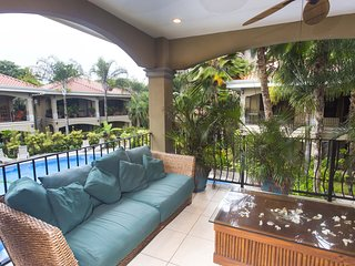 Luxury second floor pool view - Unit #19