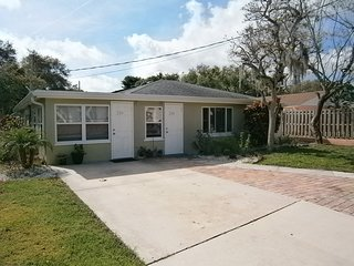 2/1 Nice Duplex Close to Venice & Nokomis Beaches