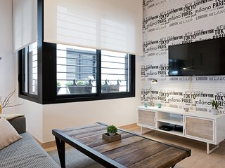 New Modern Furnished 1-BR Apt in New Building
