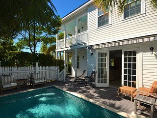 Big Bahama House - Breathtaking Home In Bahama Village w/ Pvt Pool & Parking, Key West