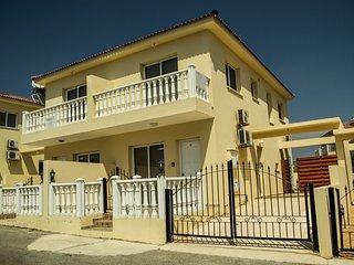 2 bed Villa with pool, Nissi Beach, Ayia Napa