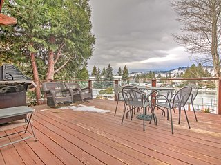 Spacious Home on South Lake Tahoe w/Dock & Hot Tub