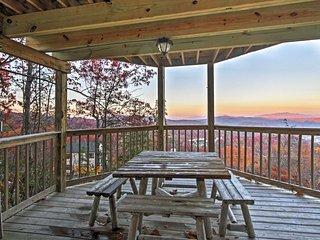 Sensational Gatlinburg Cabin w/ Hot Tub & Views!