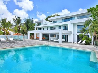 Gorgeous 5 Bedroom Villa in Simpson Bay, Mullet Bay