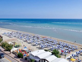IVAN & ERIKA CASA VACANZE a 30 metri dalla spiaggia !!!