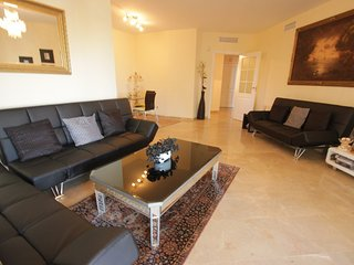 Spacious Apartment in Rio Real Marbella (Golf)