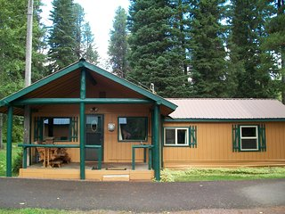 Glacier Haven Family Cabin, West Glacier
