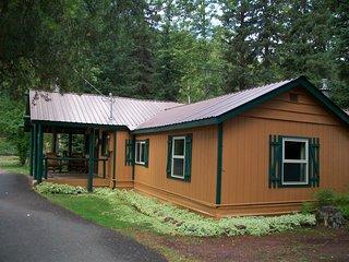 Glacier Haven Family Cabin