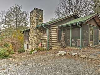 NEW! 2BR Arden Cabin w/Beautiful Views!