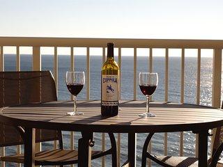Ocean Front Romantic Getaway - Palazzo 604