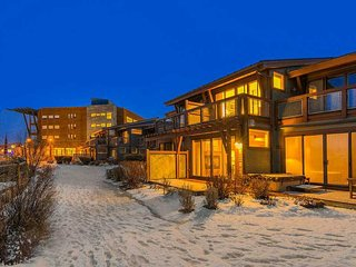 Park City Condo - Professionally Designed,  Unbelievable Location & Views