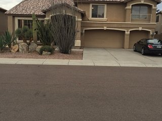 5 Bedrooms in Great Area, near sports events and freeways.Pool & Playroom, Peoria