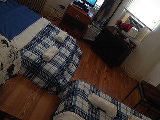 M1cheap stay mins to NYC,amenities included,near train/bus can sleep 6 ., Jersey City
