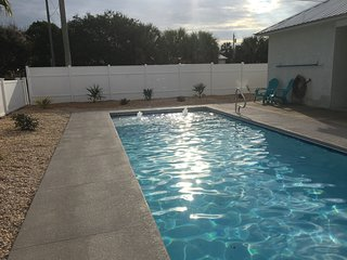 Private Pool! 1 Block to Beach! Free Golf Cart! Close to Pier Park and 30A