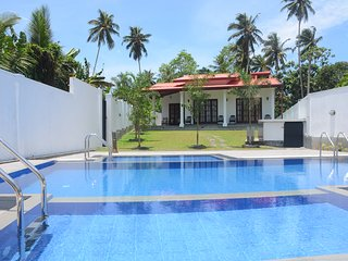 Amazing 6BR Twin Villas with a Swimming Pool