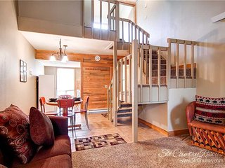 The Retreat Condos 3 by Ski Country Resorts, Breckenridge