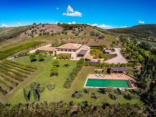 MAGNIFICENT 6BR VILLA WITH POOL, TENNIS COURT & AMAZING SEA VIEWS, TOP LOCATION!