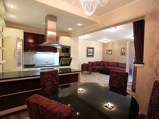 Apartments Sofija - Deluxe Two-Bedroom Apartment  4L, Becici