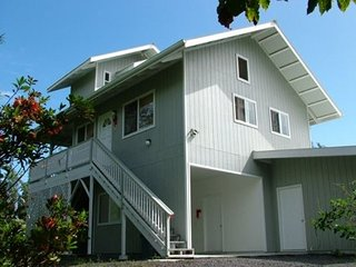 Beautiful Home Only One Block from Ocean, Keaau