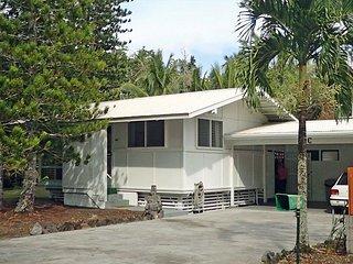 Sunny Kapoho Cottage