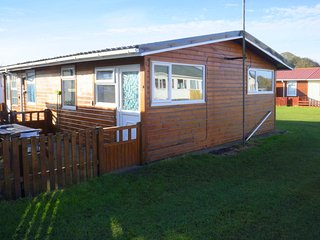 Pippins Retreat Chalet 86B, 2 bedrooms 1 Bathroom, Sleeps 4, Bridlington