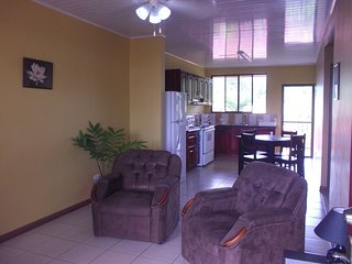 2 Bedrooms apartment x 4 guest, A/C, WiFi,  Kitchen, FK, La Fortuna de San Carlos