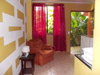 1 Bedrm 1 bath x 2 guests, fully equipped Kitchenete. patio 1FK, La Fortuna de San Carlos