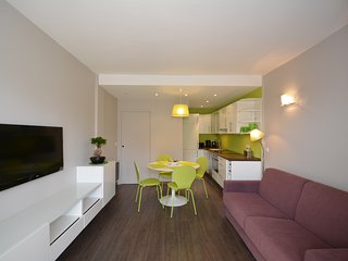 2 ROOMS APARTMENT CLOSE FROM BEACHES WITH TERRACE AND GARDEN, Juan-les-Pins