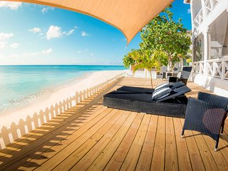 Reef House-Beach Front Apt. - Needle Fish Suite, Grand Turk