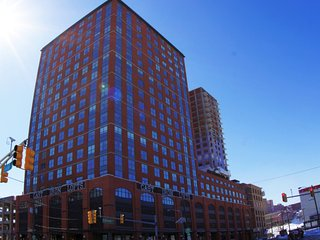 Cast Iron Lofts: 1BR Fully Furnished Suite in New York