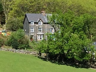 Located on a quiet lane Isygraig has south facing views across the valley and over the old village