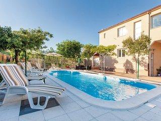 4 bedroom Villa in Trogir-Kastel Novi, Trogir, Croatia : ref 2278816, Kastel Stafilic
