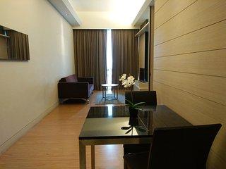 4 star Kuala Lumpur city Bukit Bintang WiFi Car Park 12th floor 吉隆坡 4星套房共5人睡