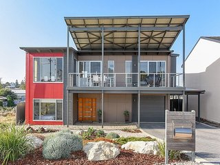 SA Holiday House: 'RiverSea' Beach House - Goolwa South