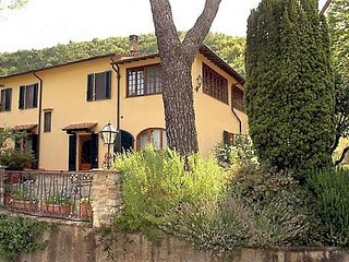 Villa Rental near Florence with Pool and Fruit Orchard - Villa Fiorentina