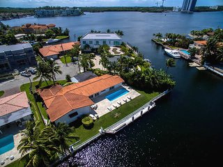 Villa Anamarie, North Miami Beach