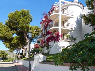 Contemporary apartment in Peniscola with 2 bedrooms, sun terrace, pool and sea views, Peñíscola