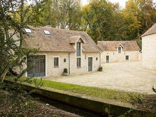 L'Atelier du Domaine de Courances – a gorgeous, 2-bedroom mansion with WiFi just 60km from Paris!