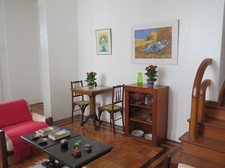 Comfy house at quiet street, central area between Botafogo and Jardim Botanico
